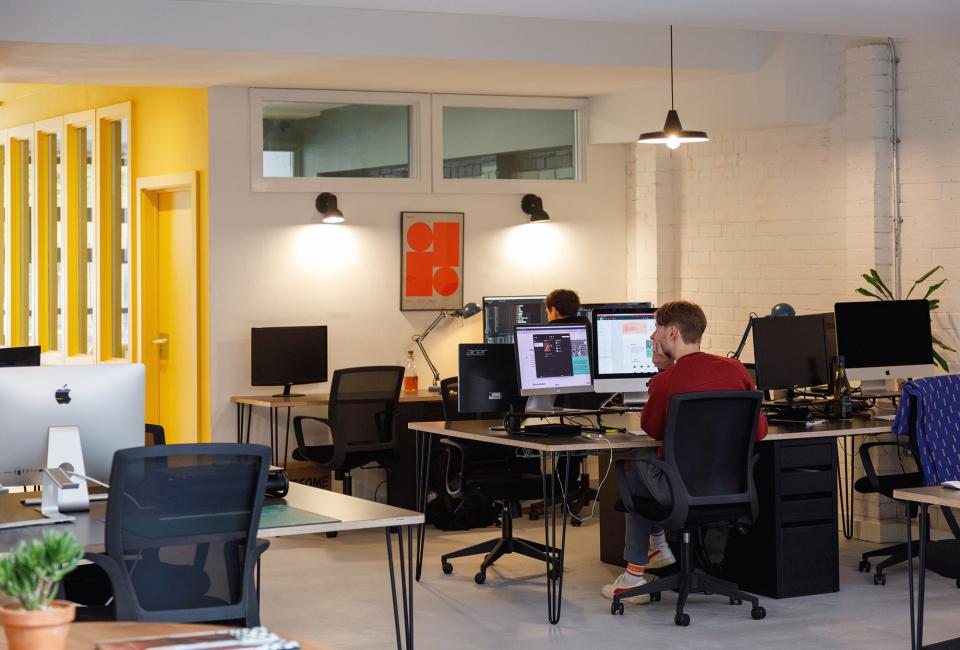 Hybrid studio